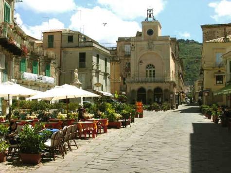 Ein Stadtplatz ist oft über Jahrhunderte der Mittelpunkt einer Stadt